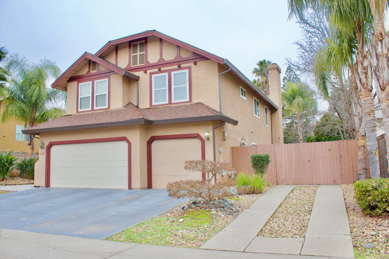 Casa Unifamiliar por un Venta en 9158 Laguna Springs Way 9158 Laguna Springs Way Elk Grove, California 95758 Estados Unidos