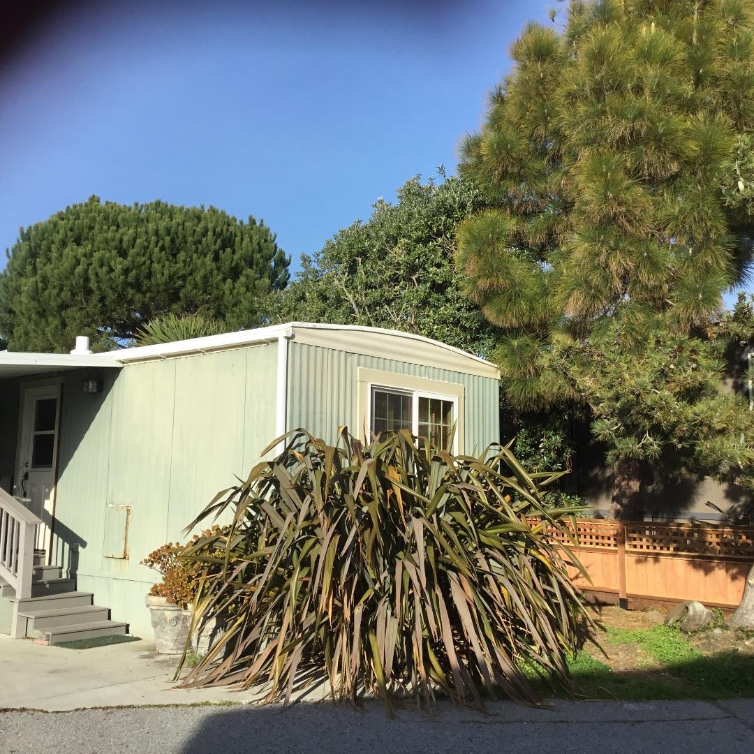 Einfamilienhaus für Verkauf beim 170 Creekside Drive 170 Creekside Drive Half Moon Bay, Kalifornien 94019 Vereinigte Staaten