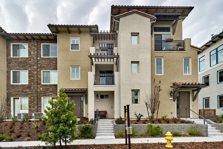 شقة بعمارة للـ Sale في 3097 Lina Street 3097 Lina Street San Jose, California 95136 United States