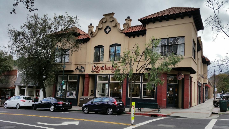 コンドミニアム のために 売買 アット 135 W Main Street 135 W Main Street Los Gatos, カリフォルニア 95030 アメリカ合衆国