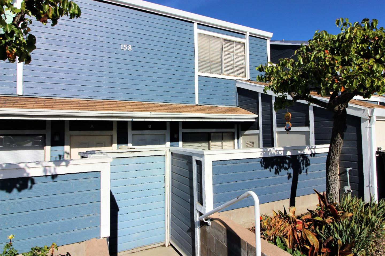 コンドミニアム のために 売買 アット 158 N Madeira Avenue 158 N Madeira Avenue Salinas, カリフォルニア 93905 アメリカ合衆国