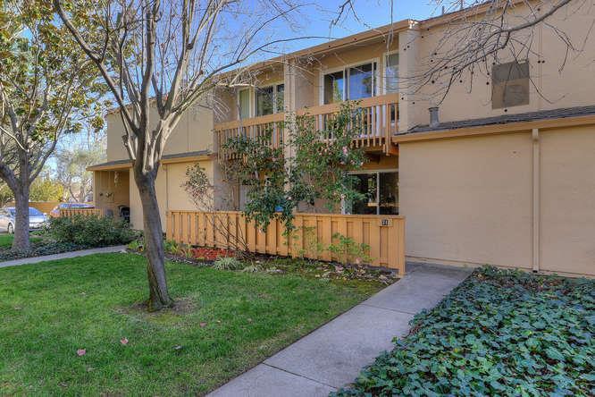 Townhouse for Sale at 125 Connemara Way 125 Connemara Way Sunnyvale, California 94087 United States
