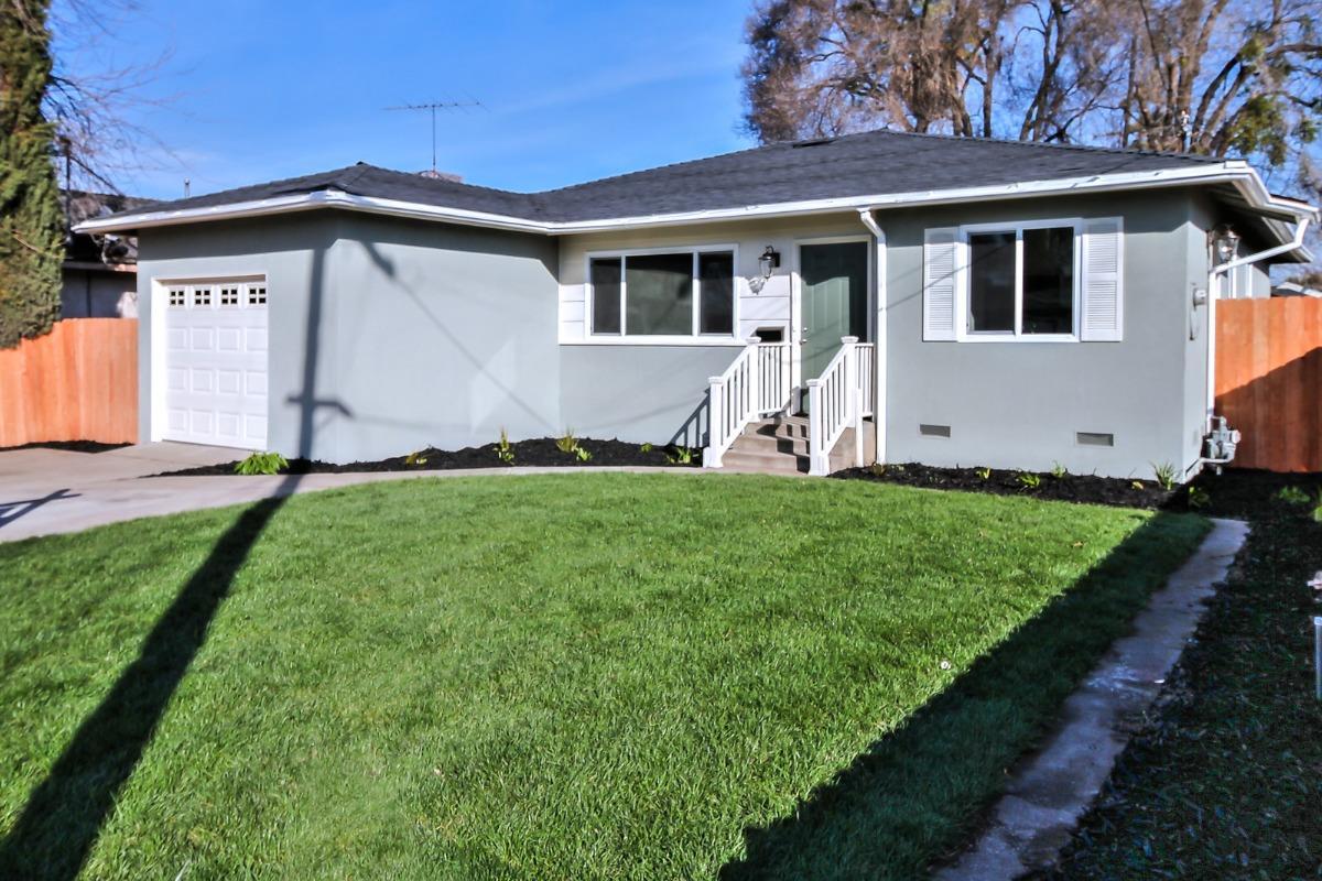 獨棟家庭住宅 為 出售 在 226 N Elm Avenue 226 N Elm Avenue Ripon, 加利福尼亞州 95366 美國