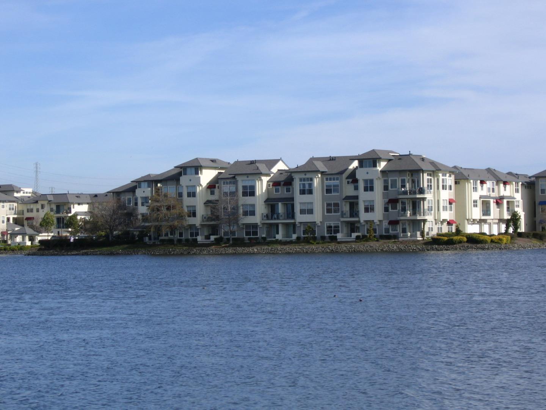 Appartement en copropriété pour l Vente à 400 Baltic Circle 400 Baltic Circle Redwood City, Californie 94065 États-Unis