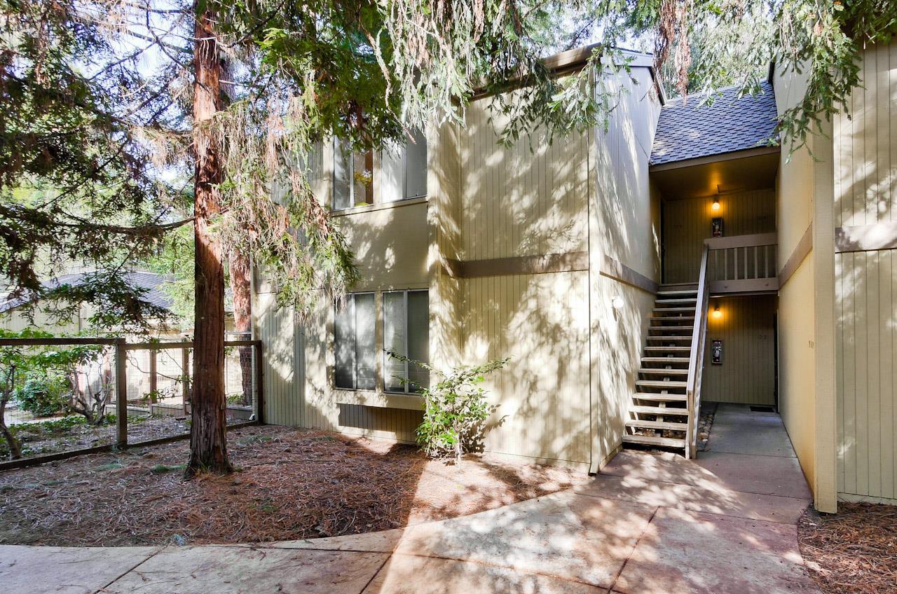 Кондоминиум для того Продажа на 505 Cypress Point Drive 505 Cypress Point Drive Mountain View, Калифорния 94043 Соединенные Штаты
