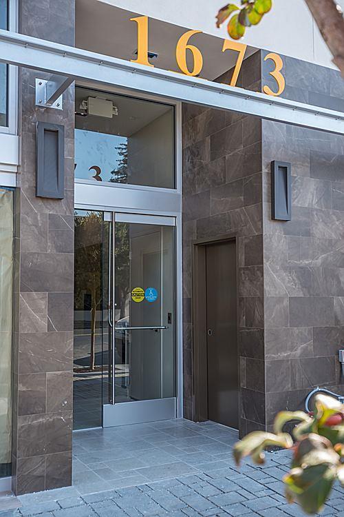 Appartement en copropriété pour l à louer à 1673 Laurel Street 1673 Laurel Street San Carlos, Californie 94070 États-Unis