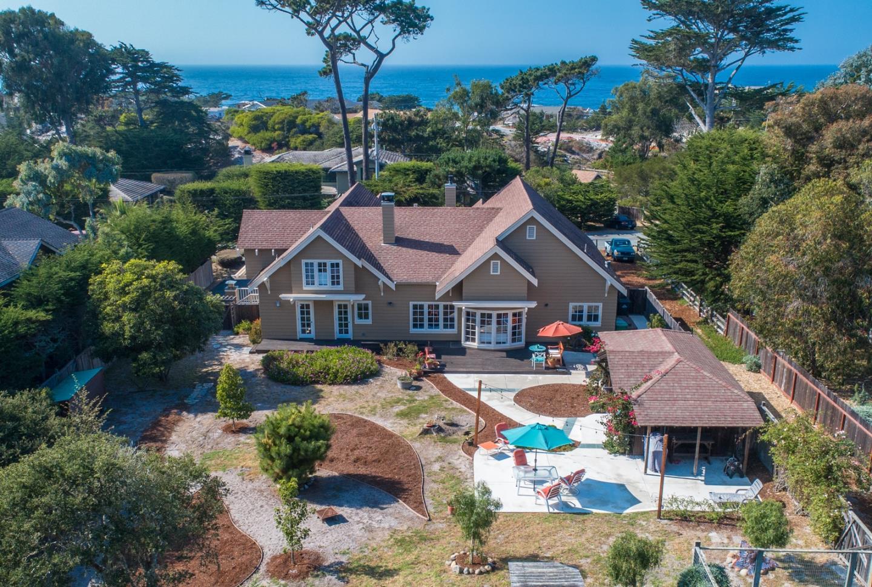 Casa Unifamiliar por un Venta en 415 Asilomar Boulevard 415 Asilomar Boulevard Pacific Grove, California 93950 Estados Unidos