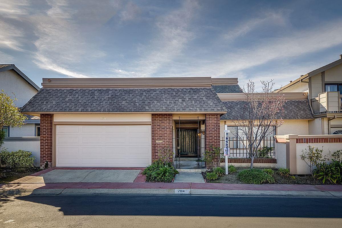 獨棟家庭住宅 為 出售 在 784 Coronado Lane 784 Coronado Lane Foster City, 加利福尼亞州 94404 美國