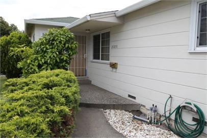 Einfamilienhaus für Mieten beim 20051 Center Street 20051 Center Street Castro Valley, Kalifornien 94546 Vereinigte Staaten