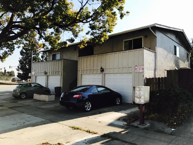 多戶家庭房屋 為 出售 在 7330 Rainbow Drive 7330 Rainbow Drive Cupertino, 加利福尼亞州 95014 美國