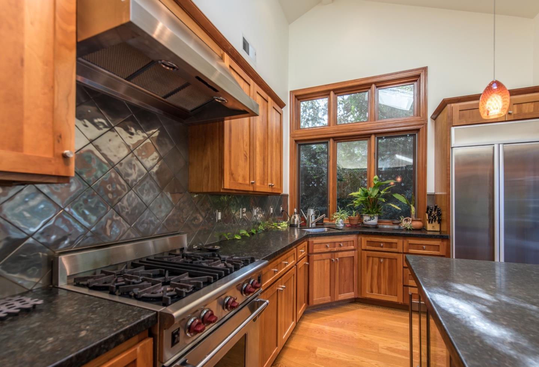 獨棟家庭住宅 為 出租 在 236 Marmona Drive 236 Marmona Drive Menlo Park, 加利福尼亞州 94025 美國