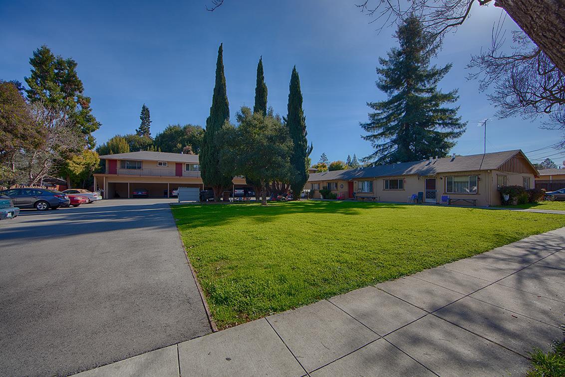 Многосемейный дом для того Продажа на 261 Oak Street 261 Oak Street Mountain View, Калифорния 94041 Соединенные Штаты