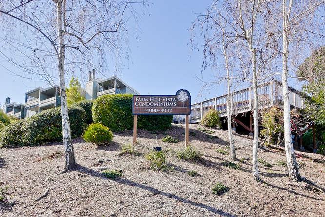 Appartement en copropriété pour l Vente à 4024 Farm Hill Boulevard 4024 Farm Hill Boulevard Redwood City, Californie 94061 États-Unis