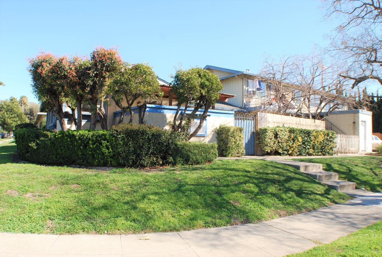 Casa Multifamiliar por un Venta en 3192 Landess Avenue 3192 Landess Avenue San Jose, California 95132 Estados Unidos