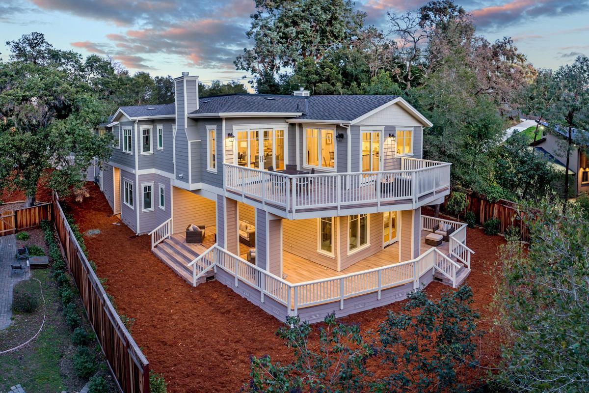 Einfamilienhaus für Verkauf beim 1693 Fairway Drive 1693 Fairway Drive Los Altos, Kalifornien 94024 Vereinigte Staaten