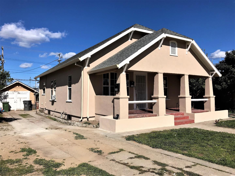 متعددة للعائلات الرئيسية للـ Sale في 537 E Locust Street 537 E Locust Street Lodi, California 95240 United States