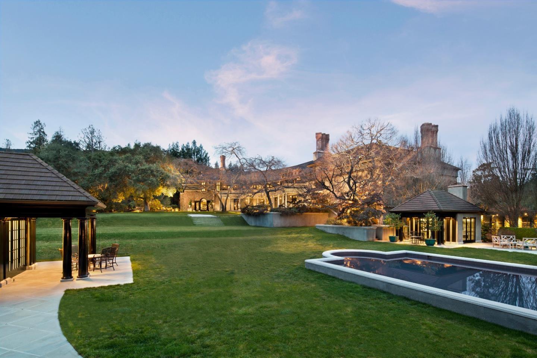 Maison unifamiliale pour l Vente à 16125 Greenwood Lane 16125 Greenwood Lane Monte Sereno, Californie 95030 États-Unis