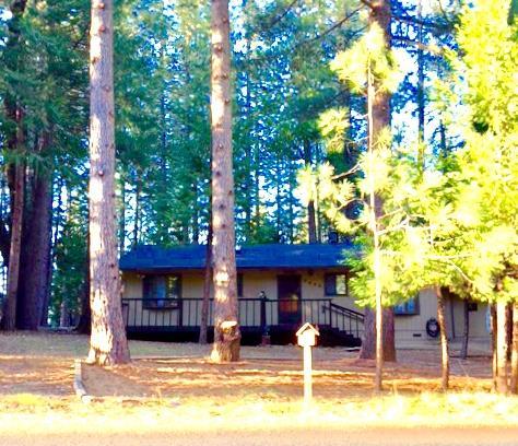 Частный односемейный дом для того Продажа на 5646 Lupin Lane 5646 Lupin Lane Pollock Pines, Калифорния 95726 Соединенные Штаты