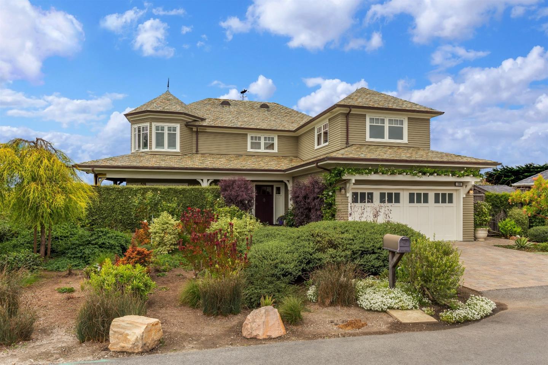 Maison unifamiliale pour l Vente à 930 Railroad Avenue 930 Railroad Avenue Half Moon Bay, Californie 94019 États-Unis