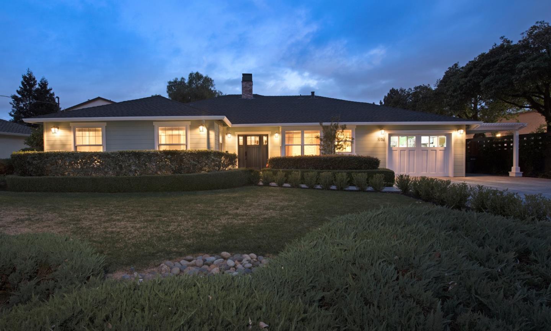 獨棟家庭住宅 為 出售 在 1052 Mcbain Avenue 1052 Mcbain Avenue Campbell, 加利福尼亞州 95008 美國