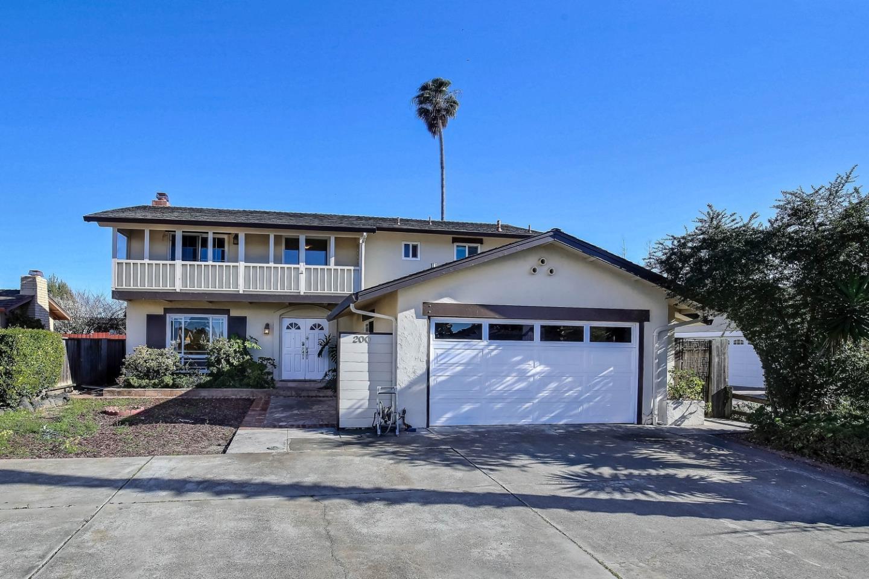 獨棟家庭住宅 為 出售 在 200 Stilt Court 200 Stilt Court Foster City, 加利福尼亞州 94404 美國