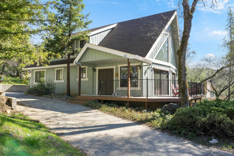 Single Family Home for Sale at 13713 Hemlock Drive 13713 Hemlock Drive Penn Valley, California 95946 United States
