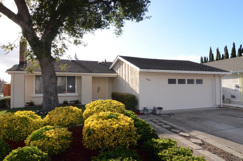 Casa Unifamiliar por un Venta en 1909 Grand Teton Drive 1909 Grand Teton Drive Milpitas, California 95035 Estados Unidos