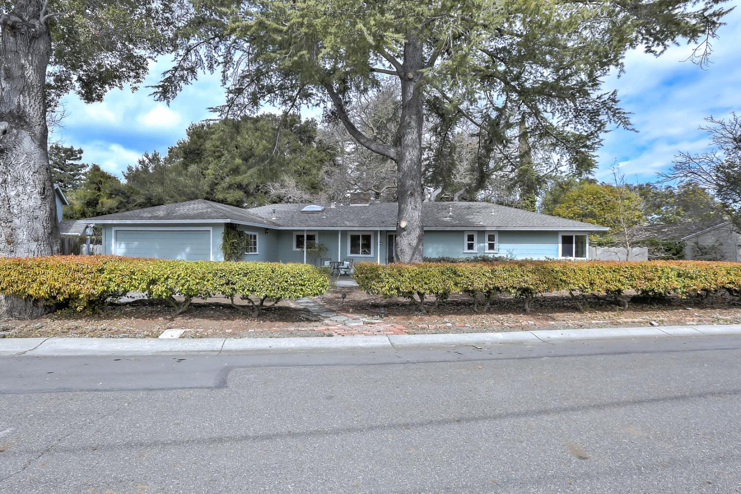 Single Family Home for Sale at 861 Arroyo Road 861 Arroyo Road Los Altos, California 94024 United States