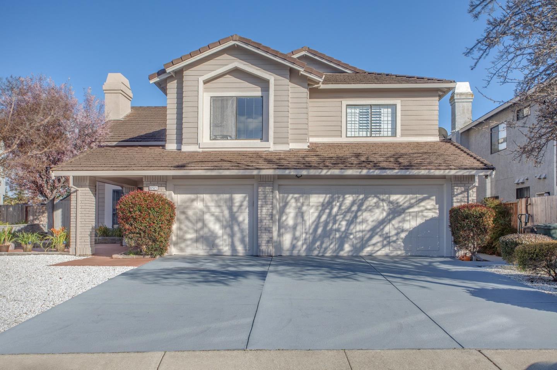 獨棟家庭住宅 為 出售 在 32521 Seaside Drive 32521 Seaside Drive Union City, 加利福尼亞州 94587 美國
