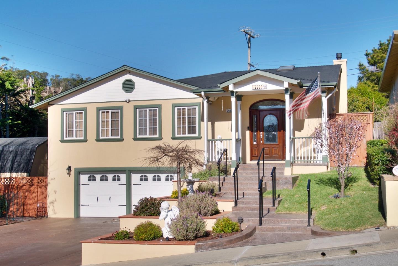 獨棟家庭住宅 為 出售 在 2990 Rollingwood Drive 2990 Rollingwood Drive San Bruno, 加利福尼亞州 94066 美國