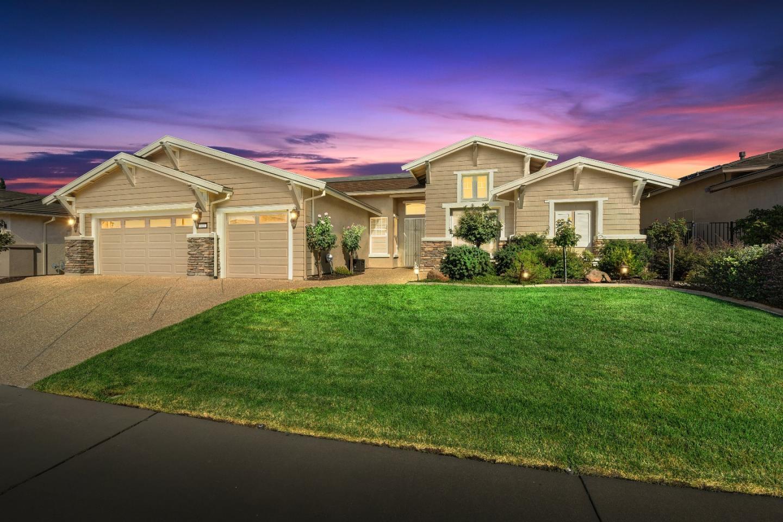 Частный односемейный дом для того Продажа на 635 Orchid Lane 635 Orchid Lane Lincoln, Калифорния 95648 Соединенные Штаты