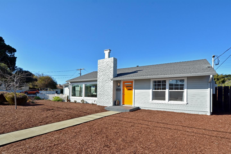 獨棟家庭住宅 為 出售 在 27 Quendale Avenue 27 Quendale Avenue Del Rey Oaks, 加利福尼亞州 93940 美國