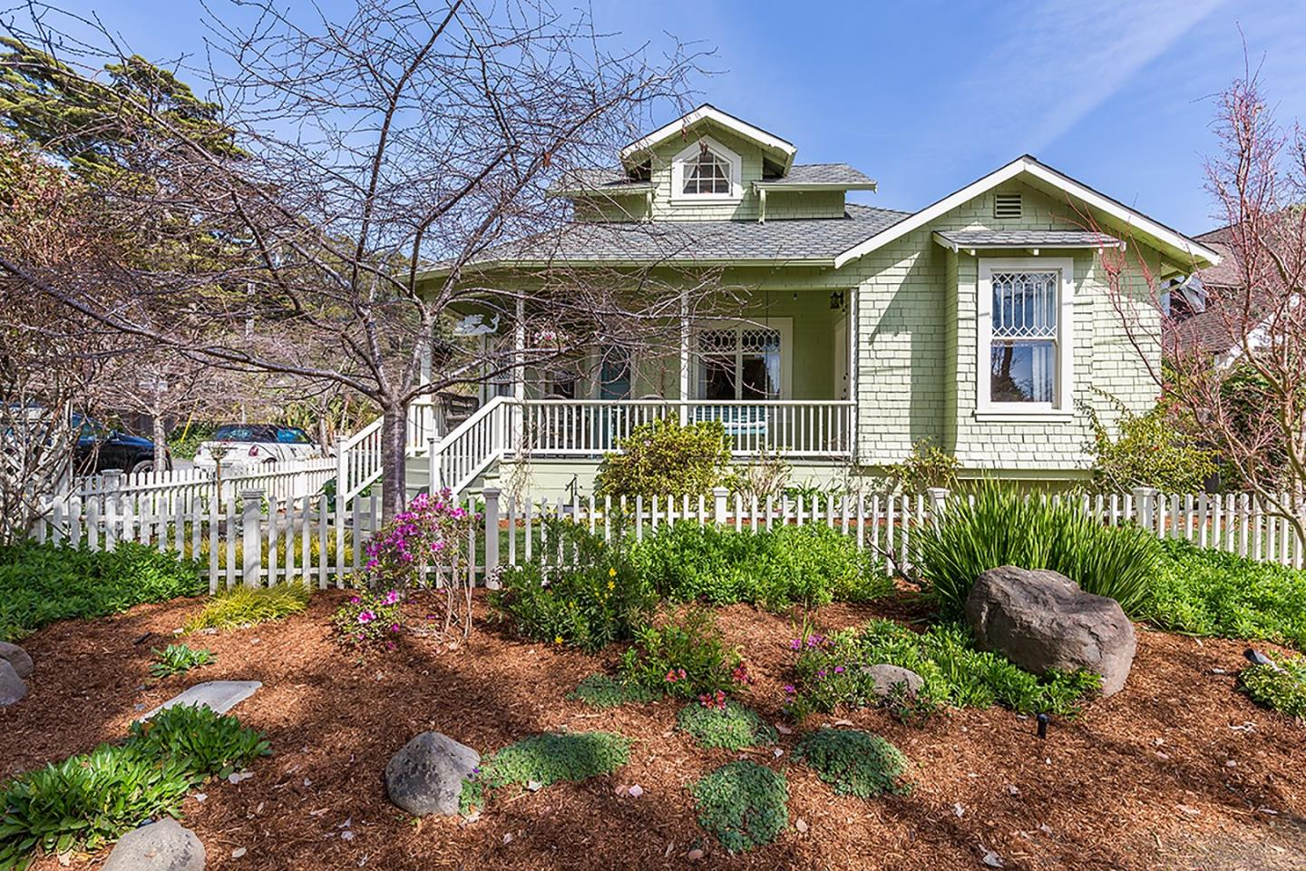 Single Family Home for Sale at 212 Hollister Avenue 212 Hollister Avenue Capitola, California 95010 United States