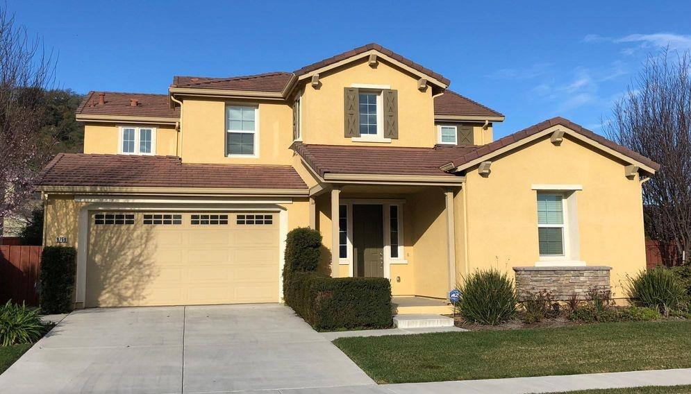 Casa Unifamiliar por un Alquiler en 9759 Dancing Wind Way 9759 Dancing Wind Way Gilroy, California 95020 Estados Unidos