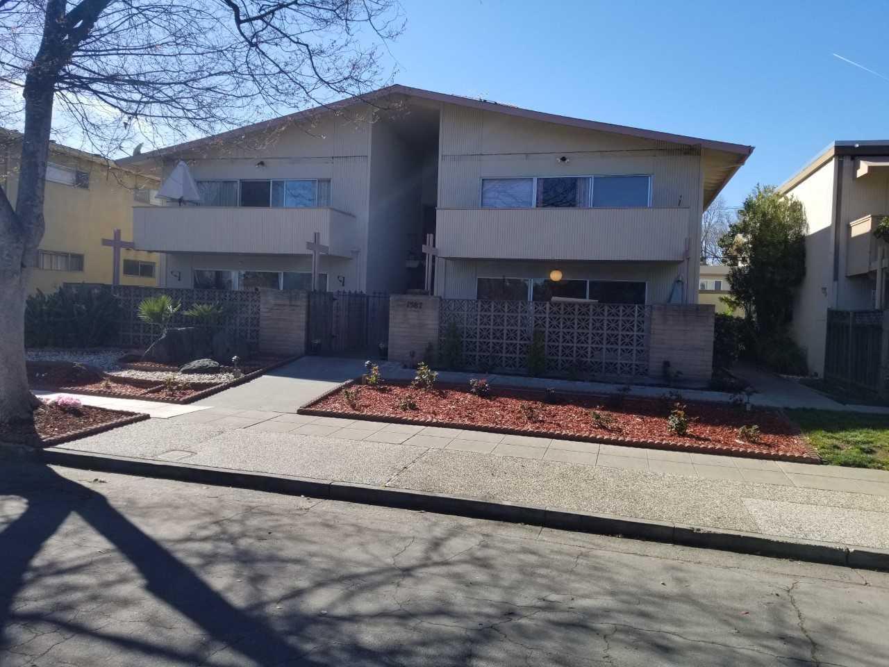 Maison avec plusieurs logements pour l Vente à 1587 Maurice Lane 1587 Maurice Lane San Jose, Californie 95129 États-Unis