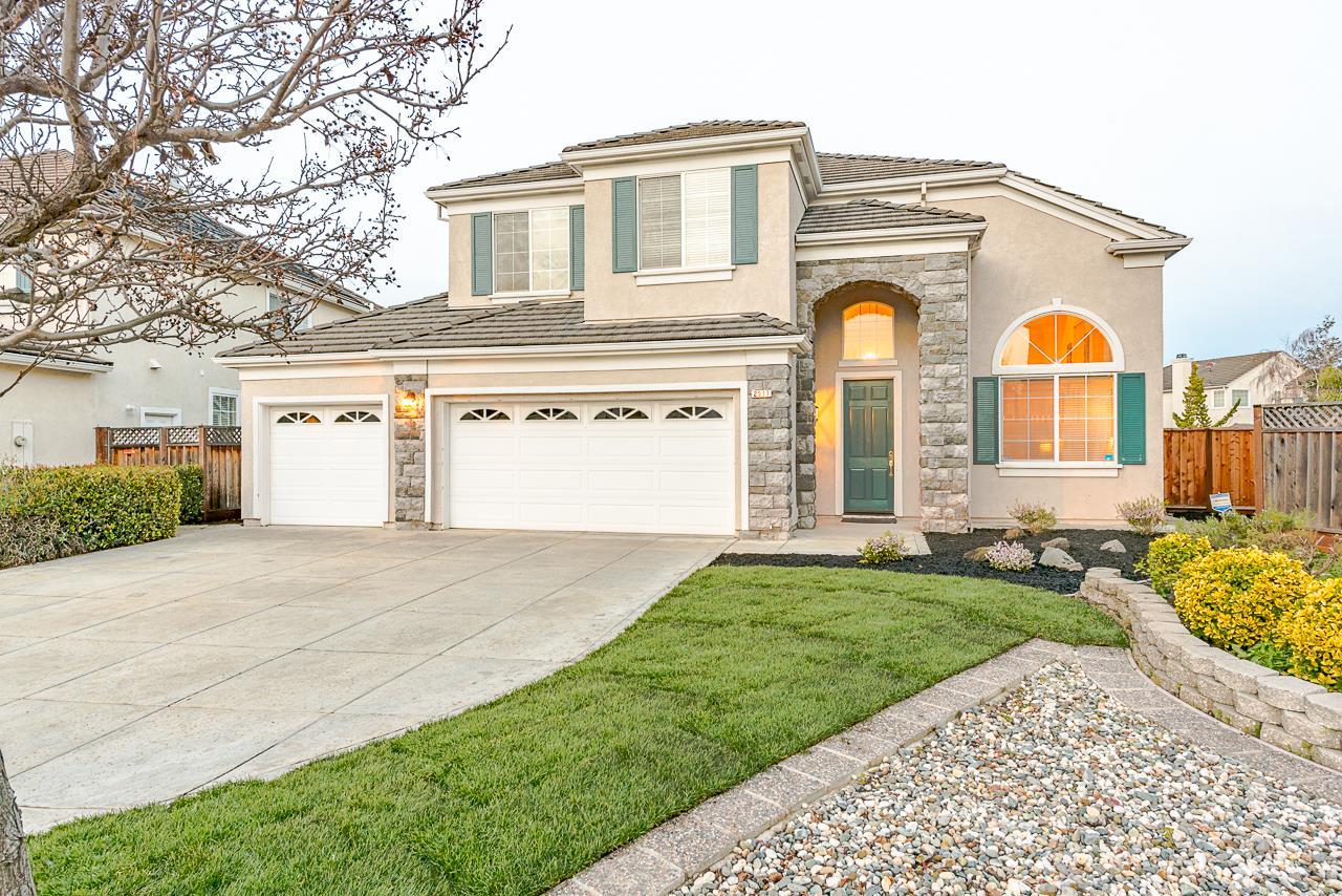 獨棟家庭住宅 為 出售 在 2517 California Court 2517 California Court Union City, 加利福尼亞州 94587 美國