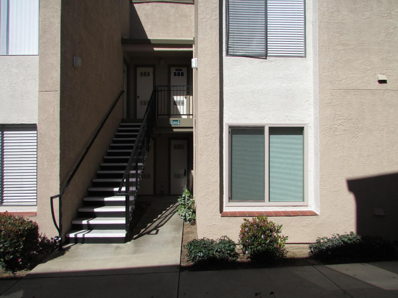 コンドミニアム のために 売買 アット 2420 N Main Street 2420 N Main Street Salinas, カリフォルニア 93906 アメリカ合衆国