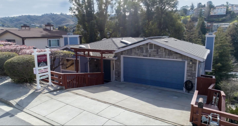 Einfamilienhaus für Verkauf beim 313 Clifton Avenue 313 Clifton Avenue San Carlos, Kalifornien 94070 Vereinigte Staaten