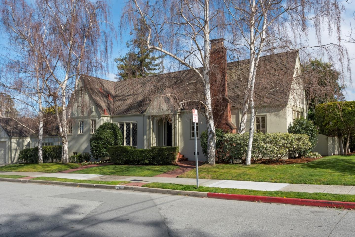 Single Family Home for Sale at 2015 Broadway 2015 Broadway Burlingame, California 94010 United States