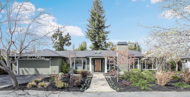 واحد منزل الأسرة للـ Sale في 1806 Edgewood Lane 1806 Edgewood Lane Menlo Park, California 94025 United States