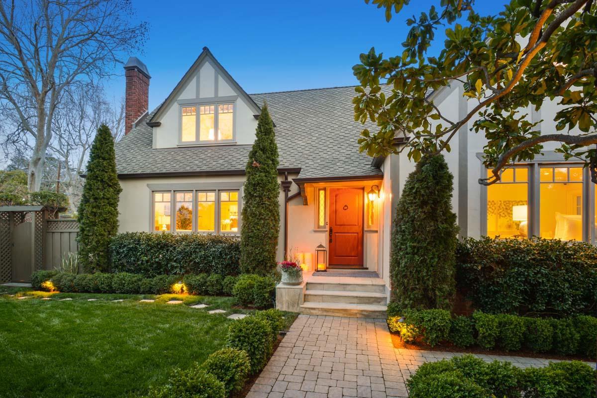 Single Family Home for Sale at 211 Warren Road 211 Warren Road San Mateo, California 94402 United States