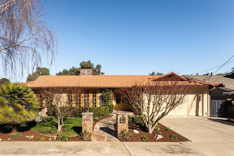 واحد منزل الأسرة للـ Sale في 2932 Sherwood Drive 2932 Sherwood Drive San Carlos, California 94070 United States