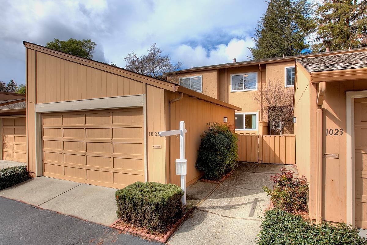 تاون هاوس للـ Sale في 1025 Whitebick Drive 1025 Whitebick Drive San Jose, California 95129 United States