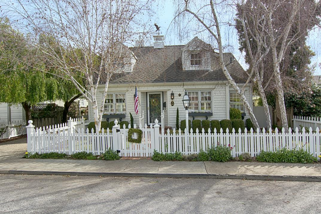 Single Family Home for Sale at 512 Sunset Drive 512 Sunset Drive Capitola, California 95010 United States