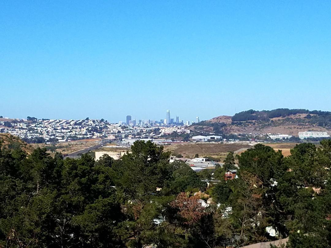 獨棟家庭住宅 為 出售 在 693 Sierra Point Road 693 Sierra Point Road Brisbane, 加利福尼亞州 94005 美國