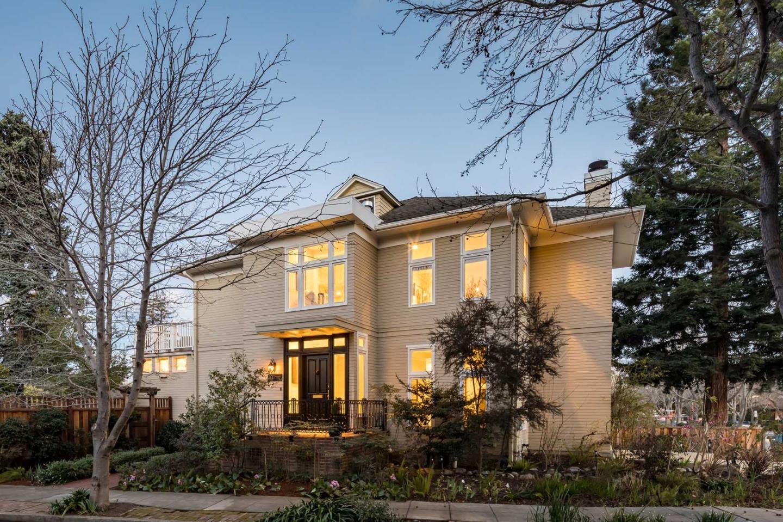 Maison unifamiliale pour l Vente à 101 Waverley Street 101 Waverley Street Palo Alto, Californie 94301 États-Unis