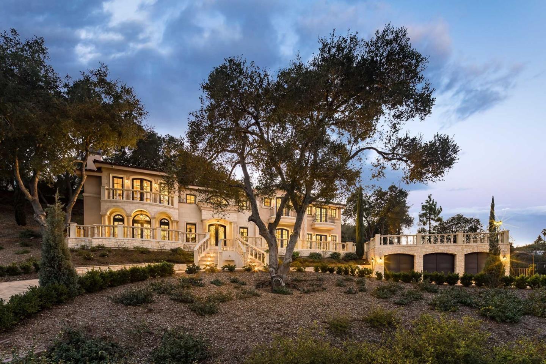 Einfamilienhaus für Verkauf beim 26401 Eshner Court 26401 Eshner Court Los Altos Hills, Kalifornien 94022 Vereinigte Staaten