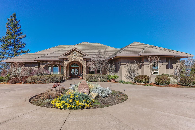 Casa Unifamiliar por un Venta en 11957 Logans Run Court 11957 Logans Run Court Grass Valley, California 95945 Estados Unidos