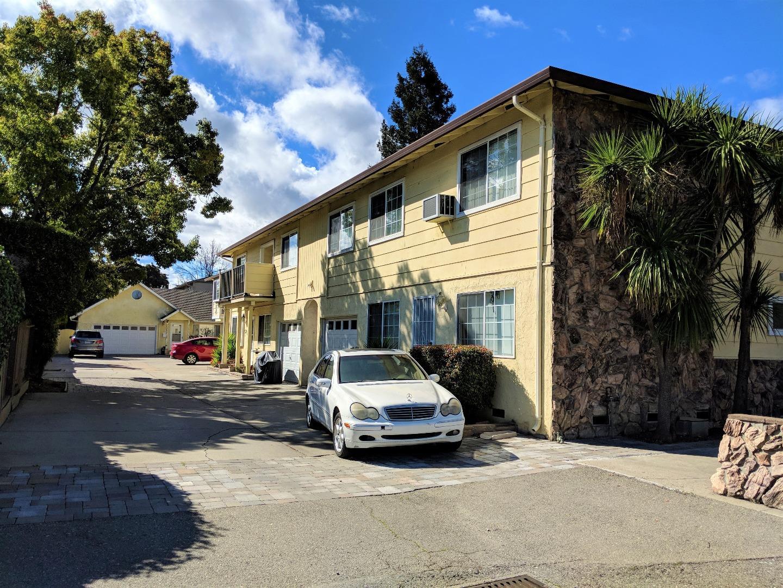 多戶家庭房屋 為 出售 在 1420 W Latimer Avenue 1420 W Latimer Avenue Campbell, 加利福尼亞州 95008 美國
