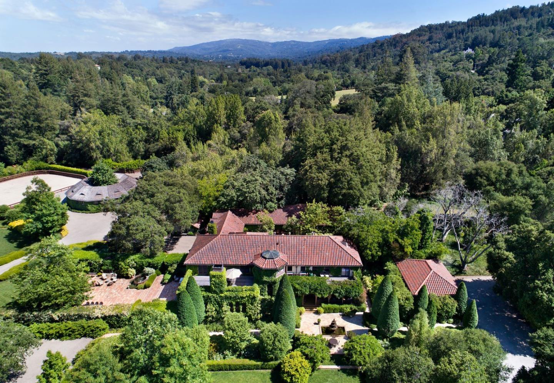 獨棟家庭住宅 為 出售 在 100 Why Worry Lane 100 Why Worry Lane Woodside, 加利福尼亞州 94062 美國